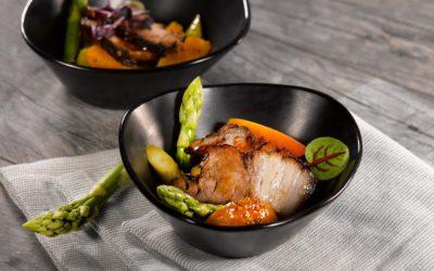 Fingerfood – Der Bauch vom Schwein-Spargel-Marillen